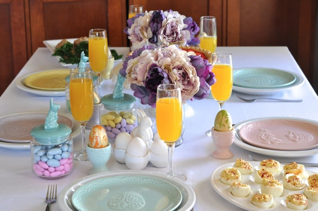 Easter brunch table and decorations