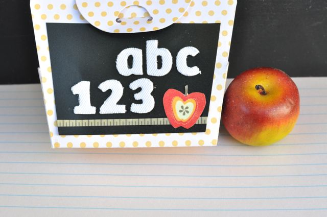 Teacher Gift Card Holder DIY with Sizzix Scalloped Bag Die