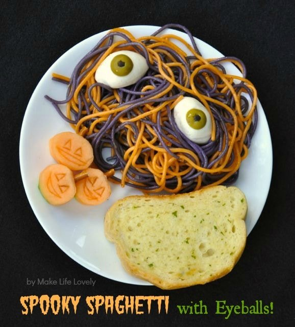 The perfect Halloween didnner…. Spooky spaghetti with eyeballs!