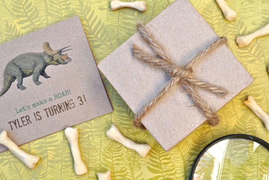 DIY Dinosaur Party Invitations