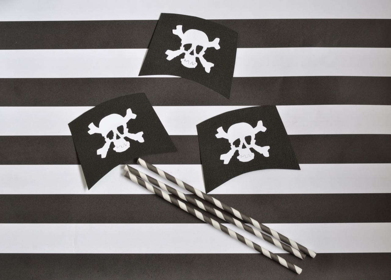 DIY Pirate Party Straws