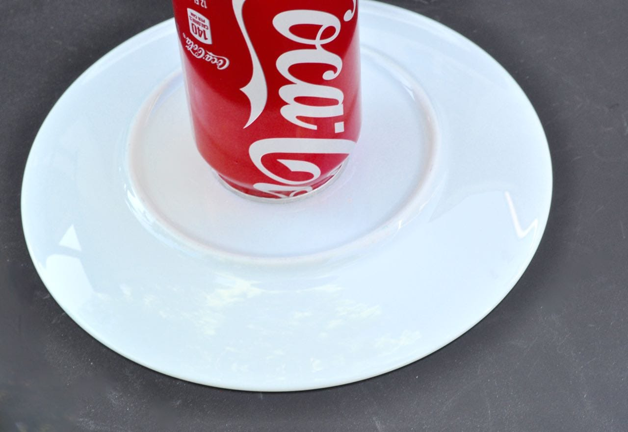 DIY Soda bottle serving plate