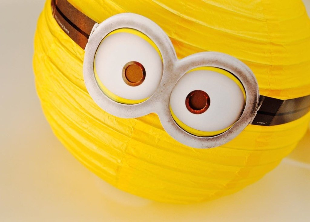 DIY Minions Paper Lanterns Decorations