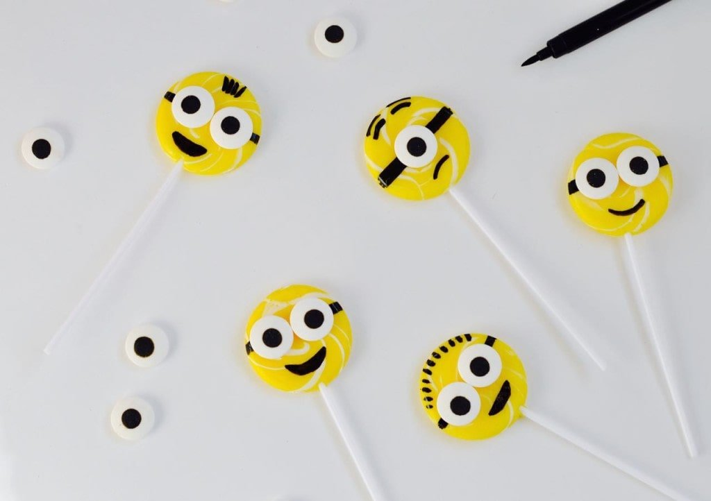 DIY minions suckers for a Minions or Despicable Me party