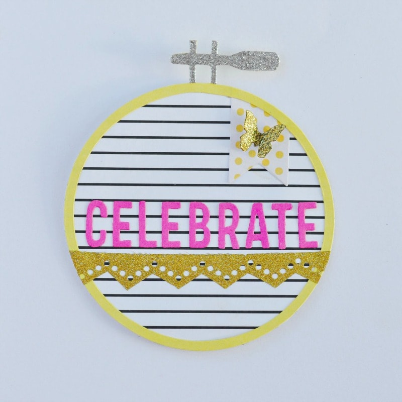 Embroidery hoop card with Sizzix