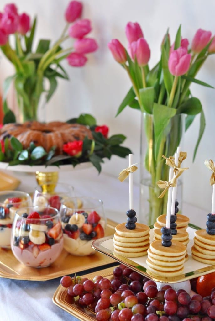 Lots of brunch party ideas. Love the mini pancakes on a stick idea!