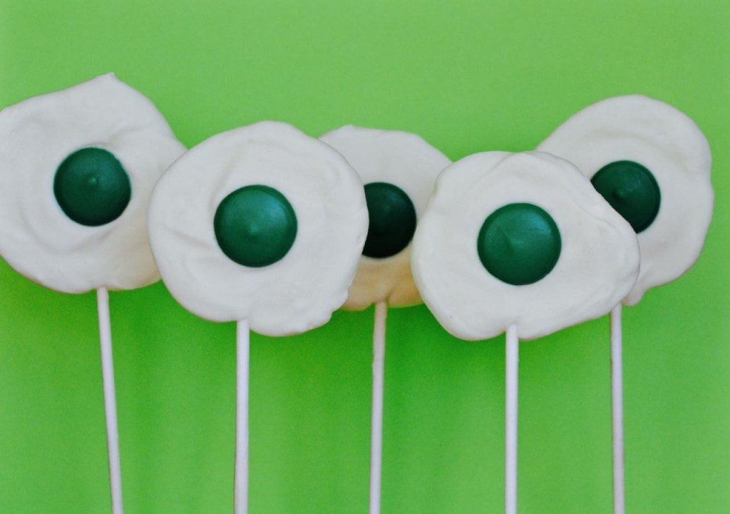 Green eggs and ham chocolate suckers, the perfect treat for Dr. Seuss' birthday!