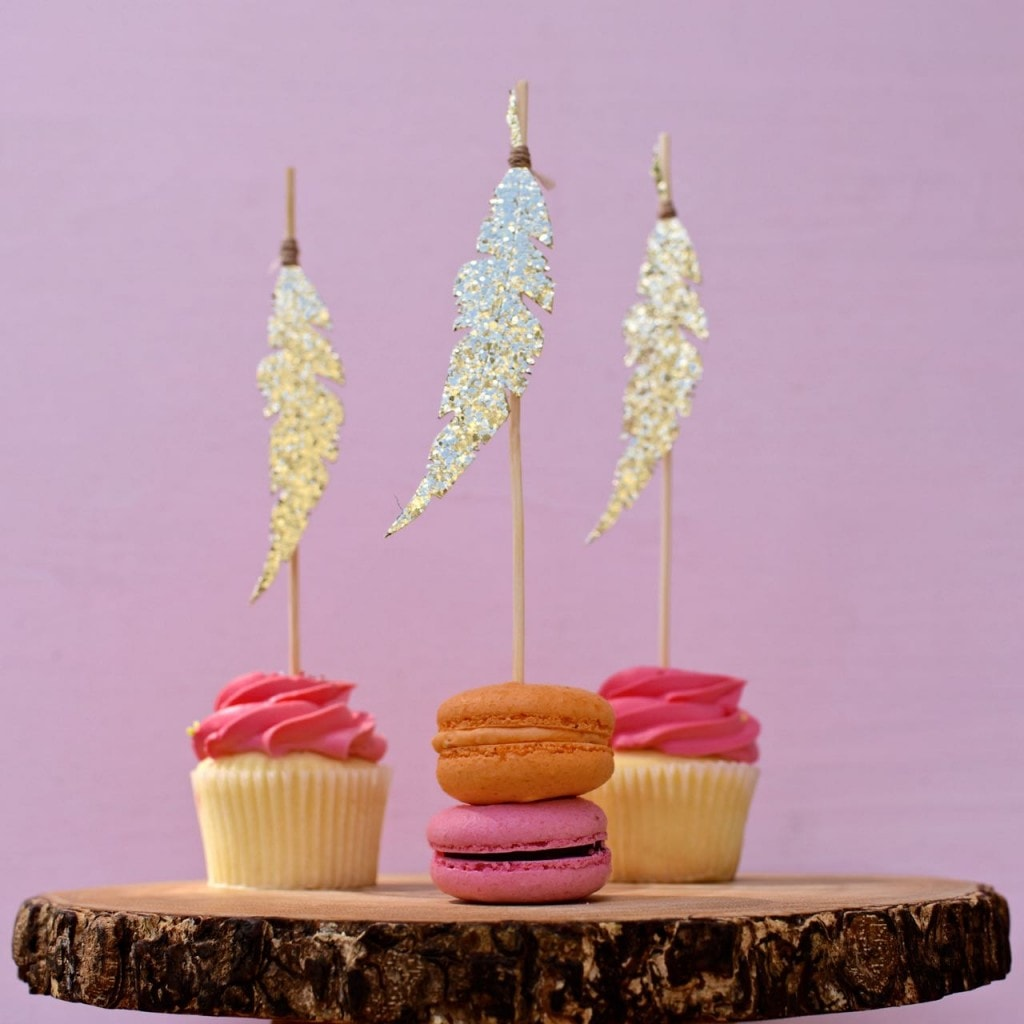 Gold feather cupcake toppers DIY with Sizzix