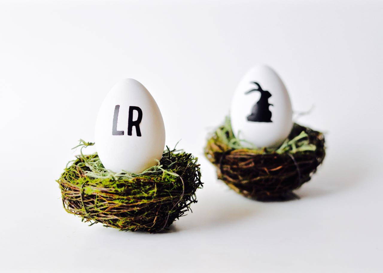Vinyl Easter eggs with Sizzix
