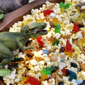 Dinosaur Snack Mix for a Dinosaur Party