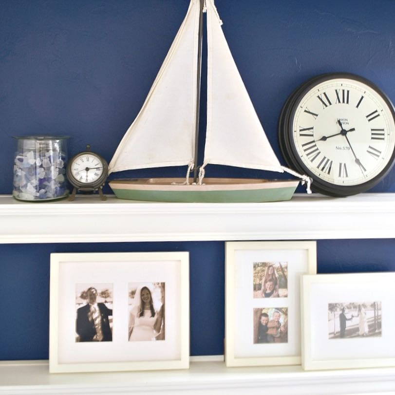 navy blue accent wall in bedroom make life lovely. Black Bedroom Furniture Sets. Home Design Ideas