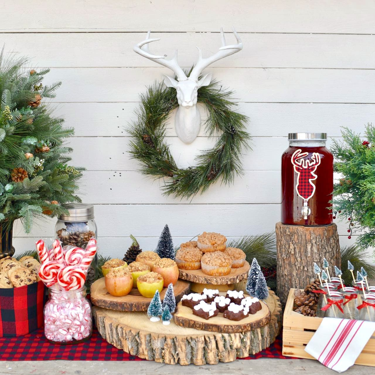 Rustic Holiday Party + Apple Pie in Apples - Make Life Lovely