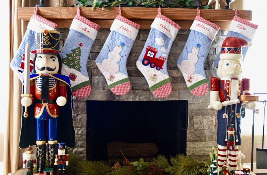 Christmas fireplace ideas for Christmas living room