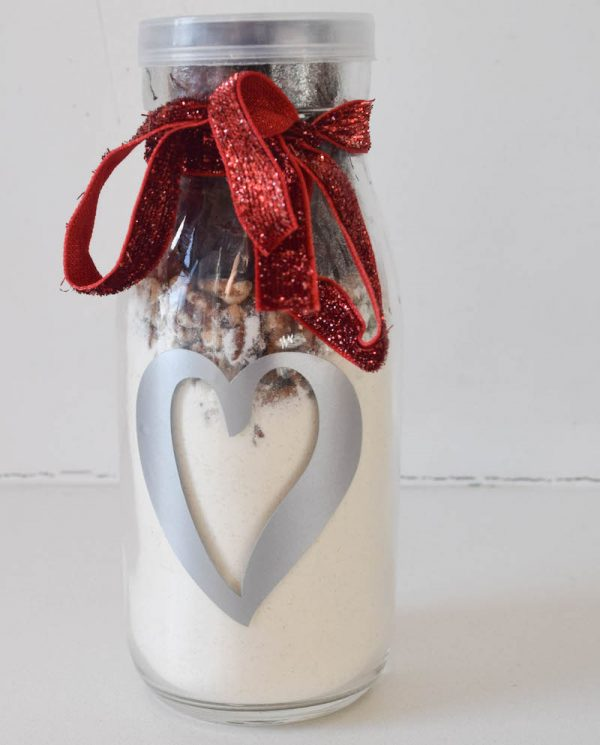 pancake-breakfast-for-two-jar-mix-recipe-with-vinyl-decorated-milk-bottle-tutorial-by-underground-crafter-2-600x745