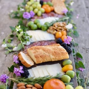 How to Create A Charcuterie and Cheese Plate