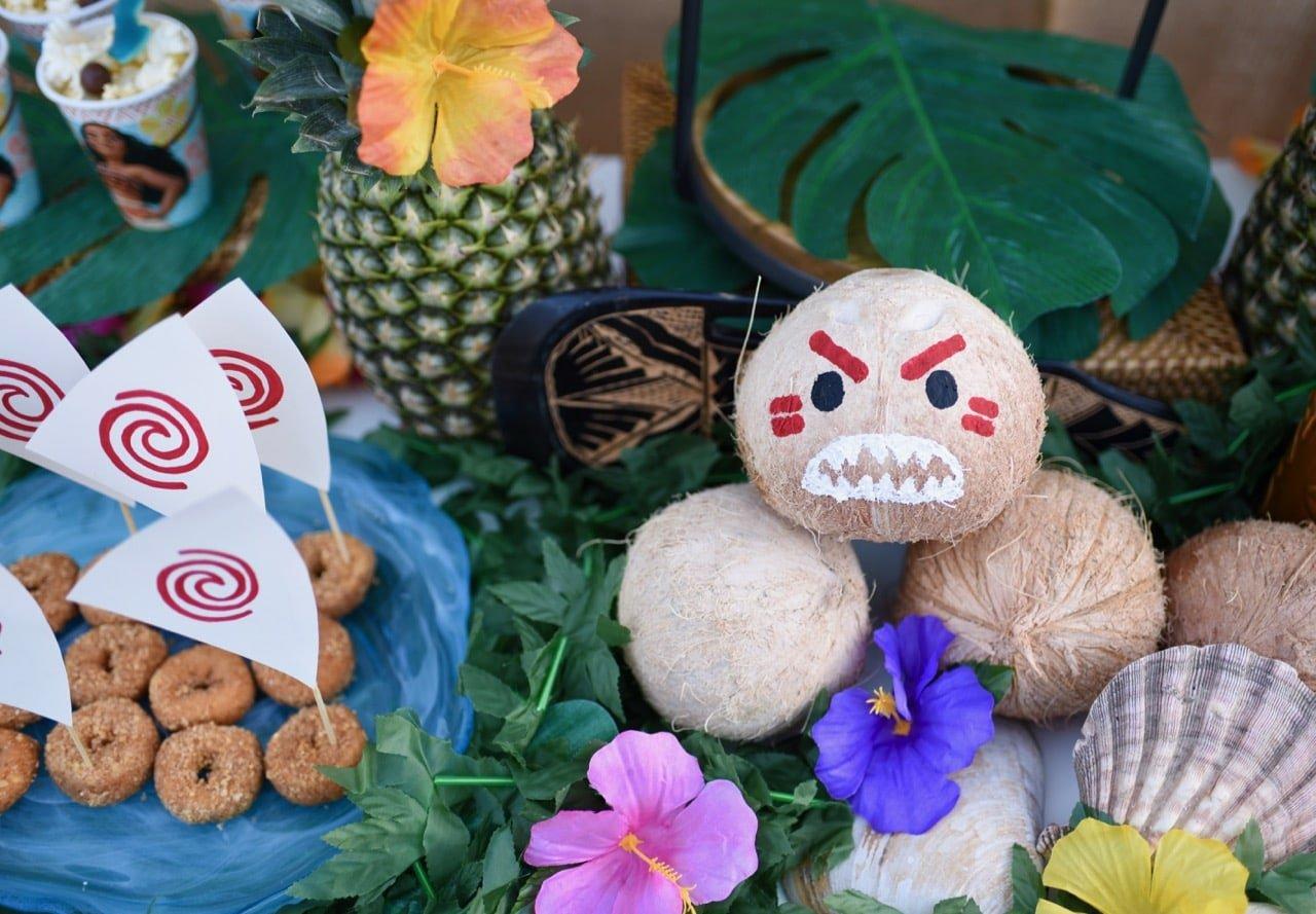 Moana Birthday Party Ideas So Cute Love The Kakamora Coconuts