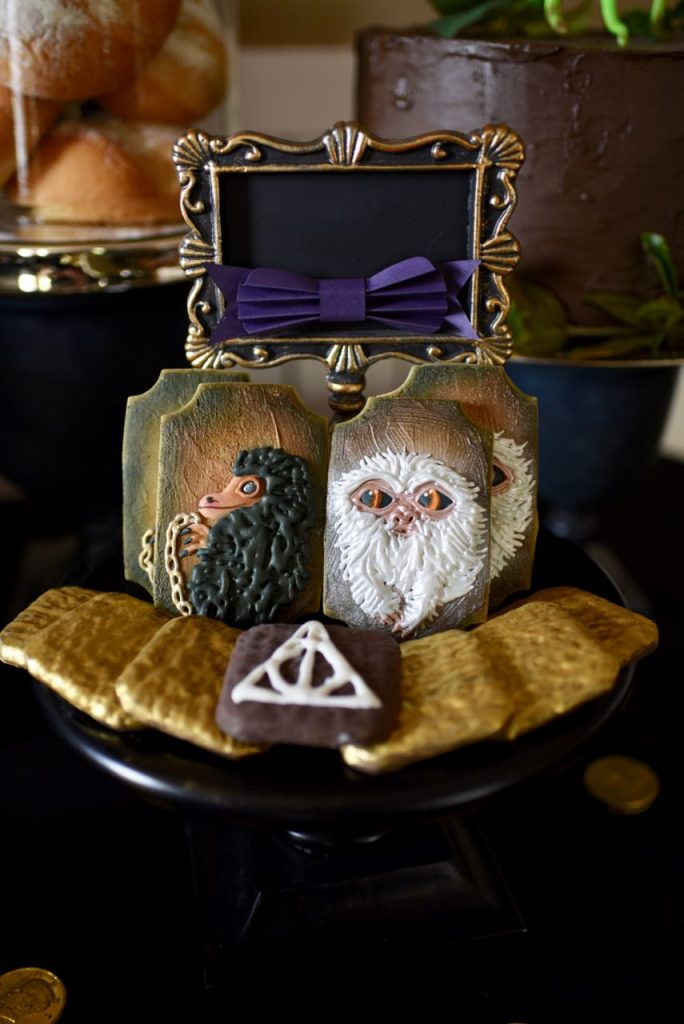 Fantastic Beasts niffler and demiguise cookies