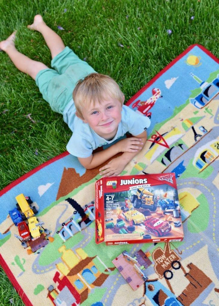 Cars 3 LEGO Juniors Thunder Hollow Crazy 8 Race