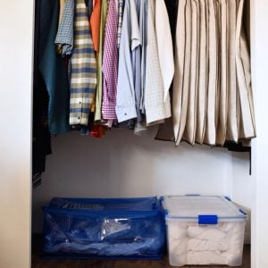 Small closet organiation trick that will keep your closet neat and organized and give you more storage space