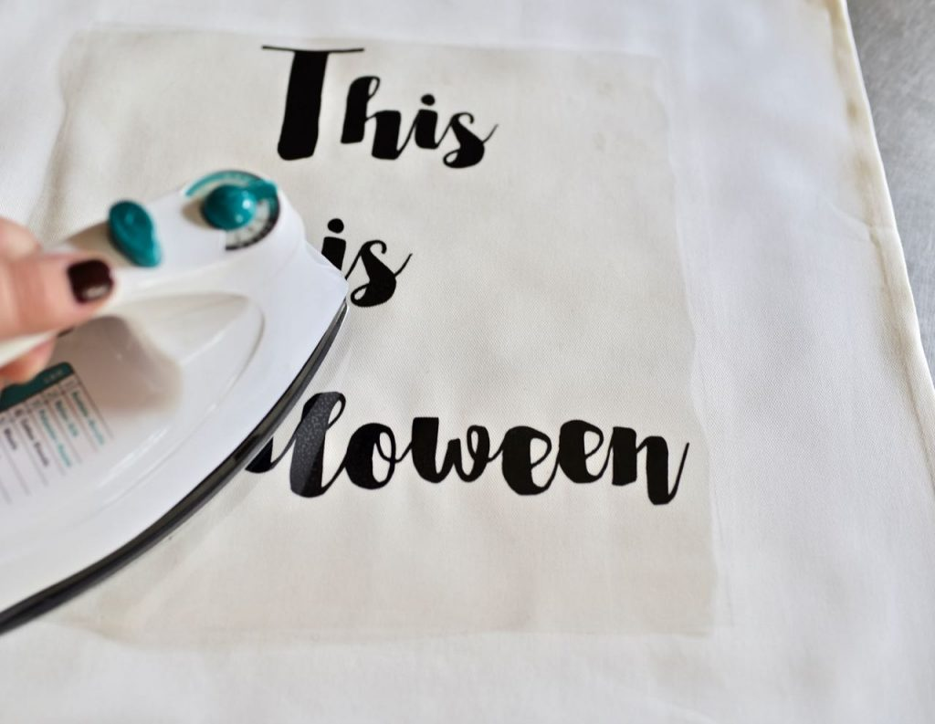 Cricut iron-on tutorial Nightmare Before Christmas Halloween pillow