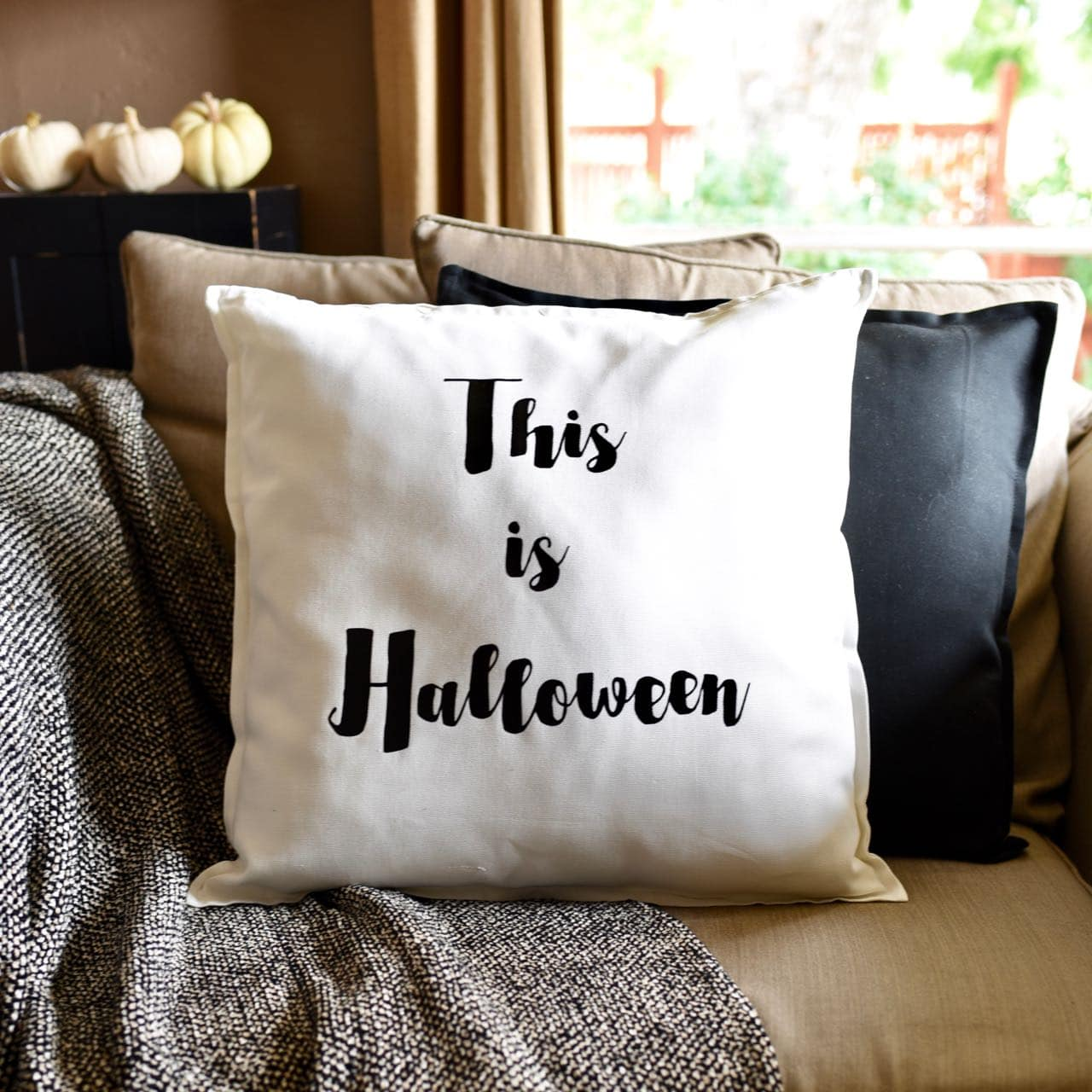 Diy Halloween Pillow With Cricut Explore Air 2 Make Life Lovely