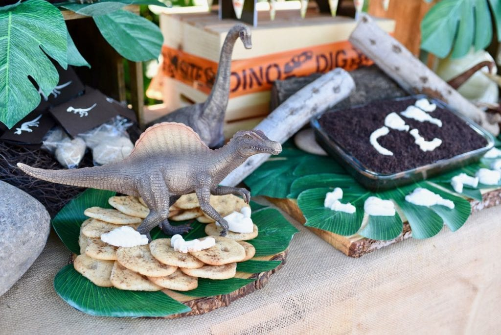 Dinosaur party table and party ideas