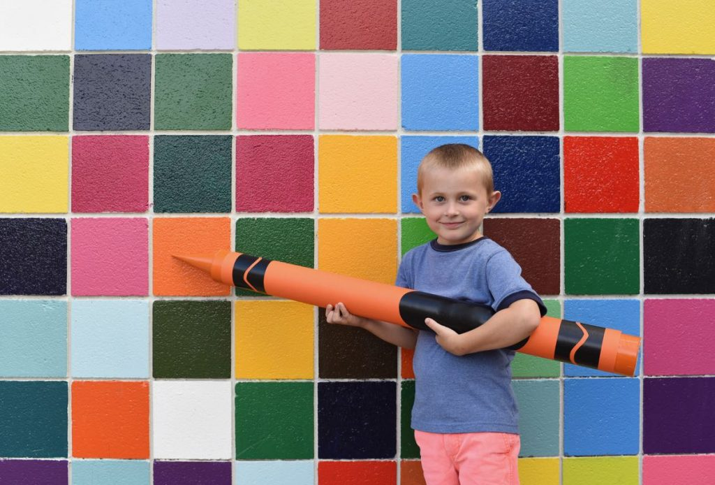 How to make a giant crayon prop