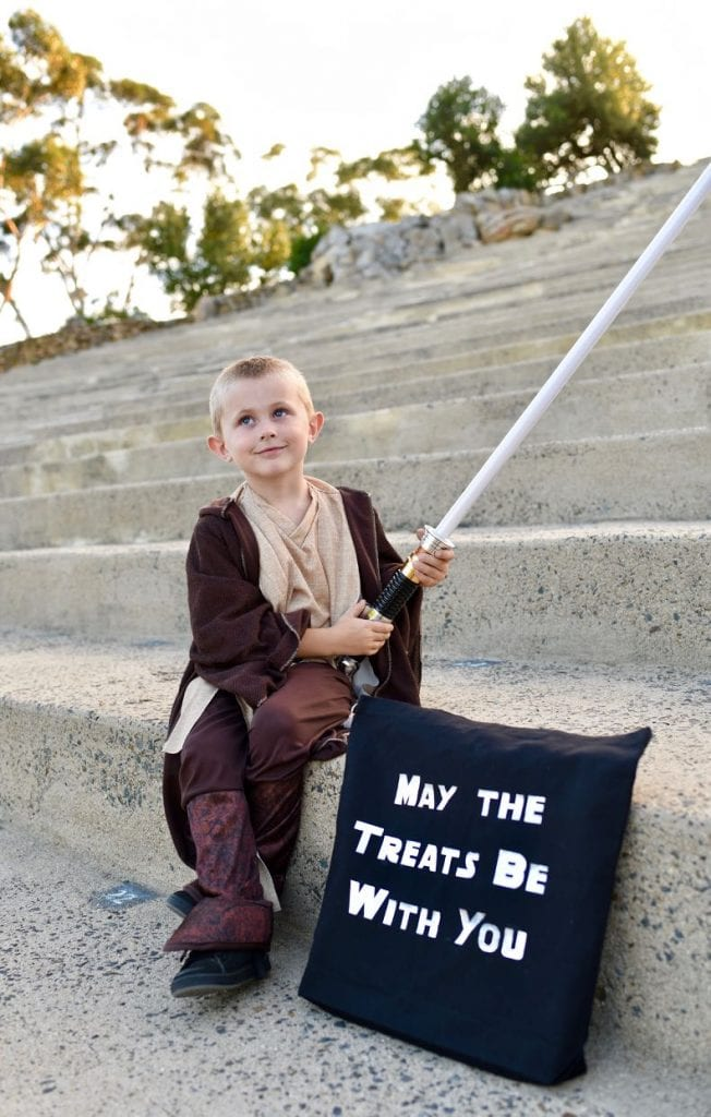 Star Wars Halloween costume and DIY trick or treat bag with the Cricut Maker bag
