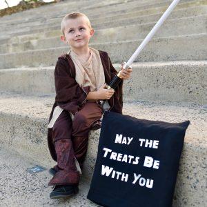 Star Wars Halloween Trick or Treat Bag DIY with the Cricut Maker