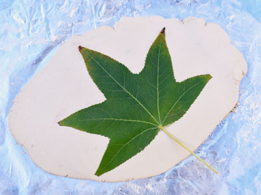 Clay leaf bowl diy fall craft