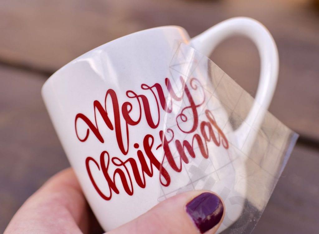 DIY vinyl mug with Cricut for hot cocoa gift basket