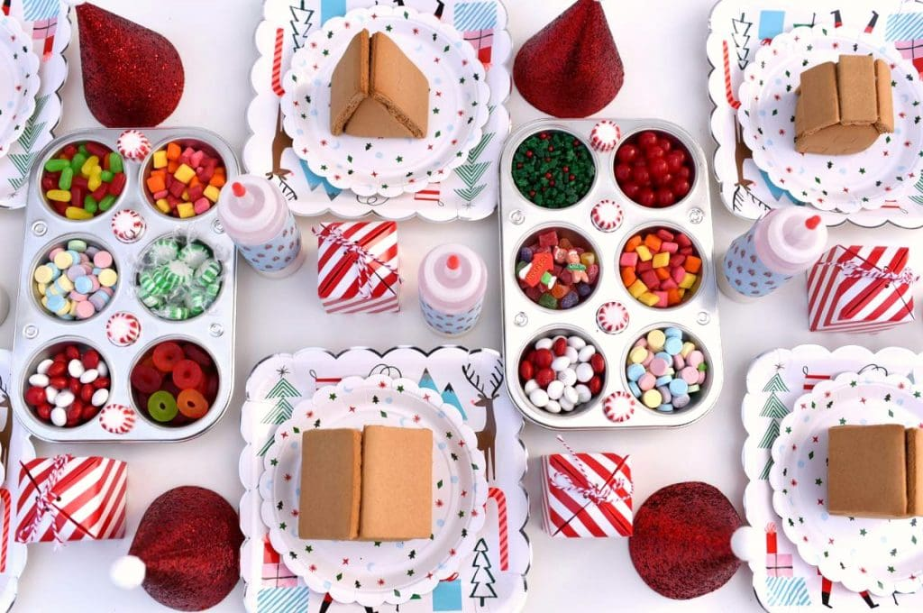 Gingerbread house making party table