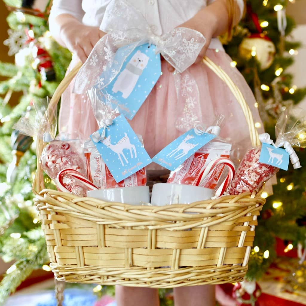 Hot cocoa gift basket Christmas gift idea. Create a darling gift basket with free hot cocoa printables!
