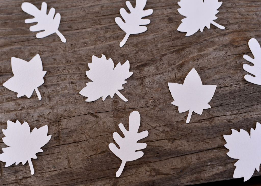 Thankful tree craft leaves for Thanksgiving