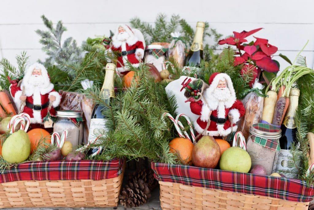 Christmas gift baskets ideas #FeedtheHungry #LighttheWorld