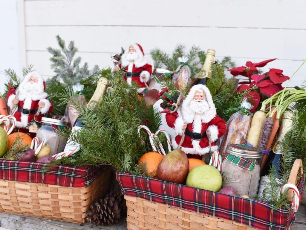 Christmas gift baskets service project #FeedtheHungry #LighttheWorld