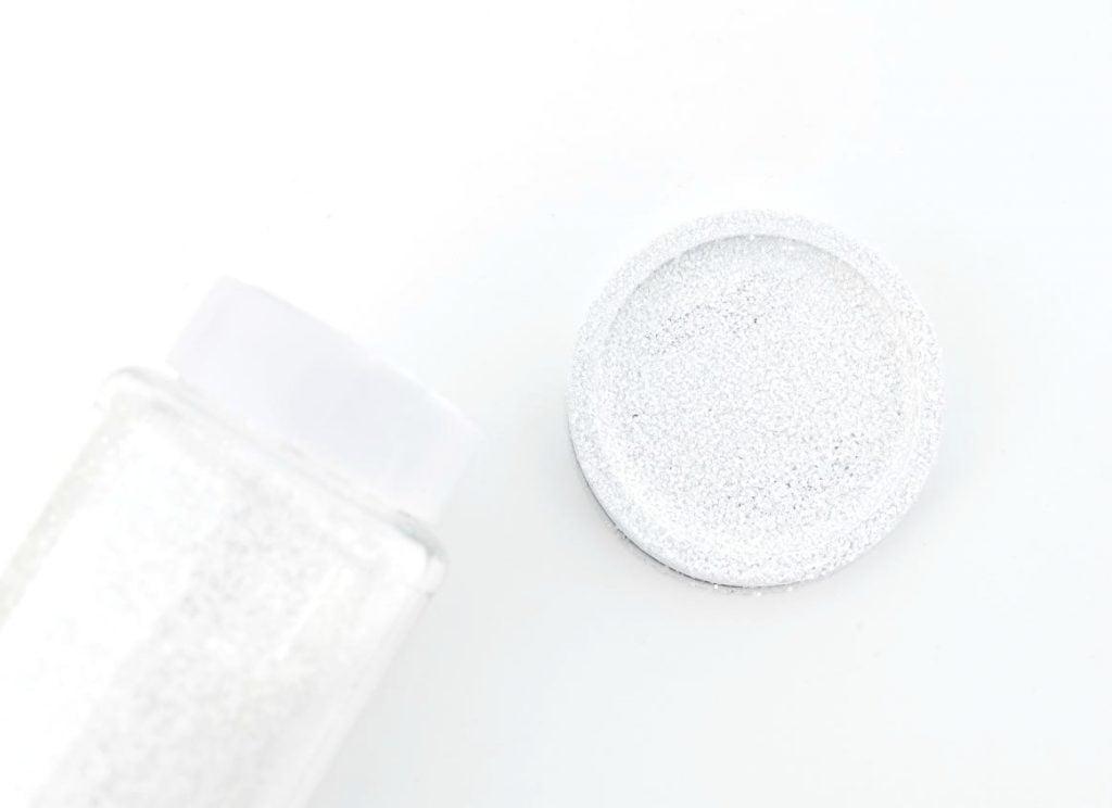 How to make mason jar snow globe toppers