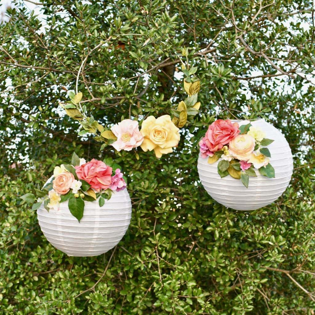 DIY flower paper lanterns. So pretty and easy to make in just a few minutes!