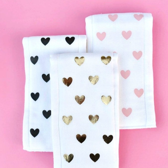 Simple DIY burp cloths with NO sewing!