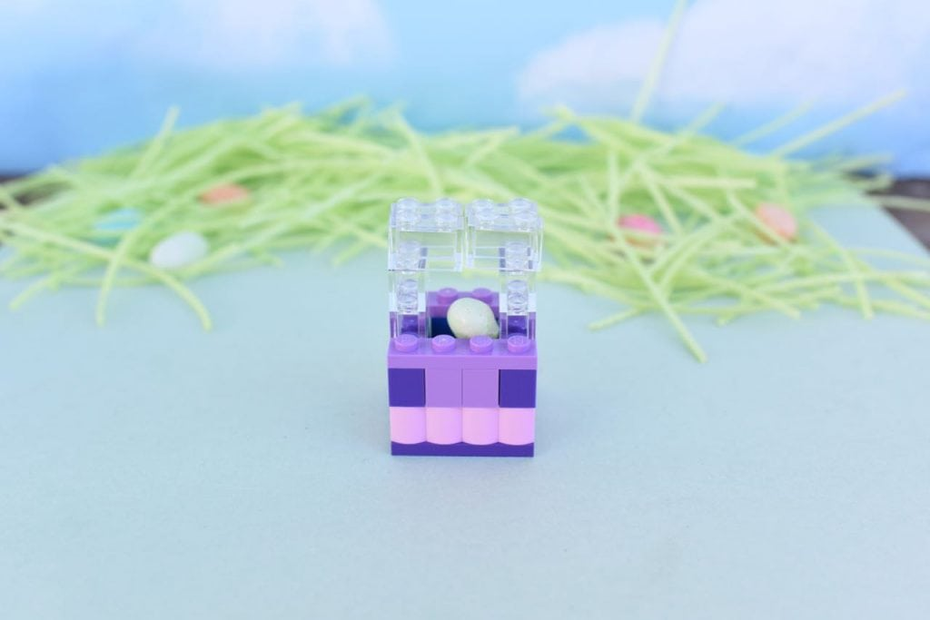 How to build a LEGO Easter basket mini