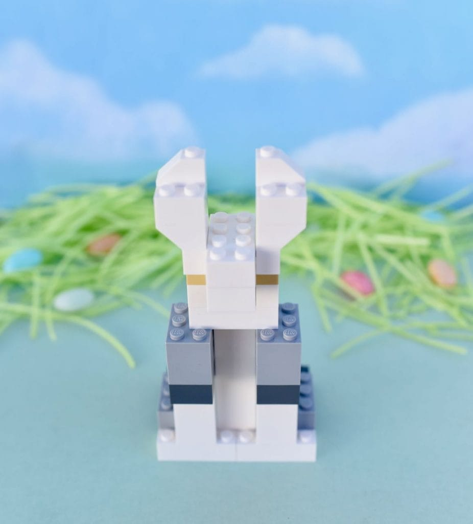 How to build a LEGO rabbit for Easter