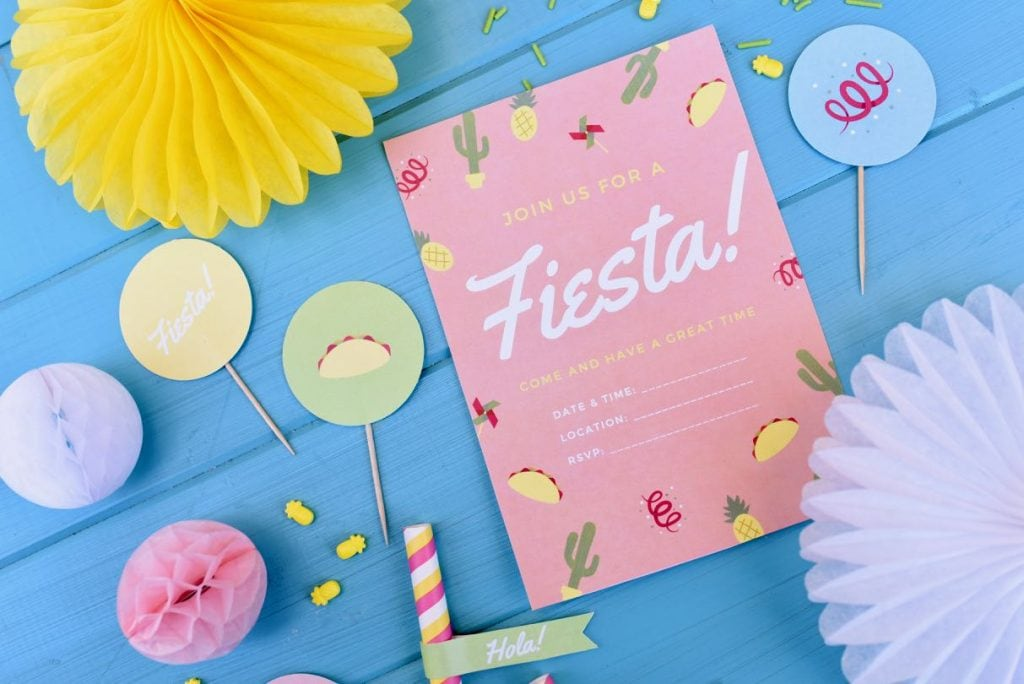 Free Cinco de Mayo party printables. Get ready for the big fiesta with these free party printables! Print invitations, cupcake toppers, straw flags, and round labels.
