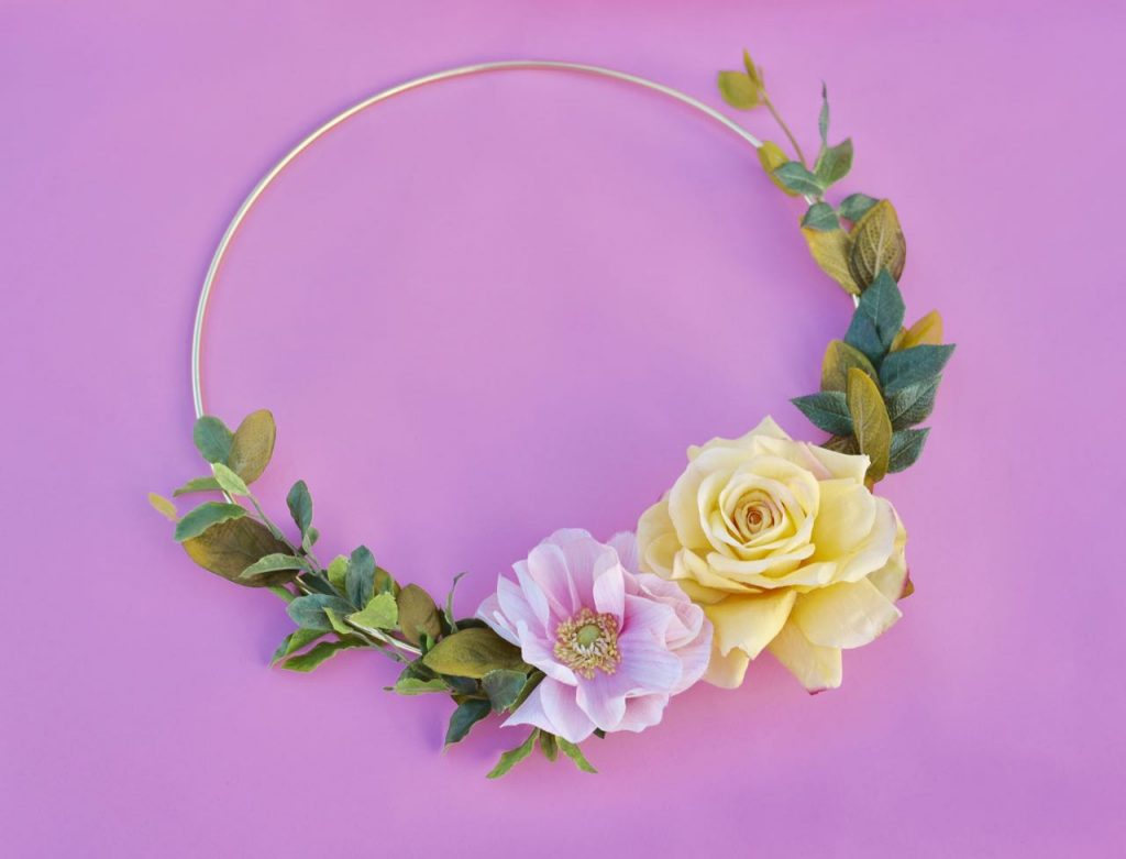 Modern floral hoop wreath tutorial