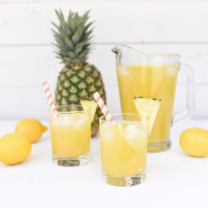 Pineapple lemonade recipe that's all natural and contains no processed sugar