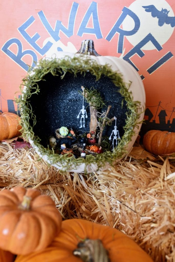 Pumpkin diorama Halloween craft