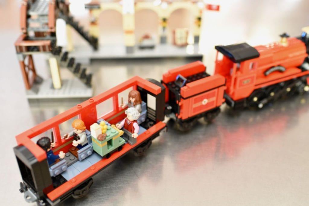 LEGO Hogwarts Express set