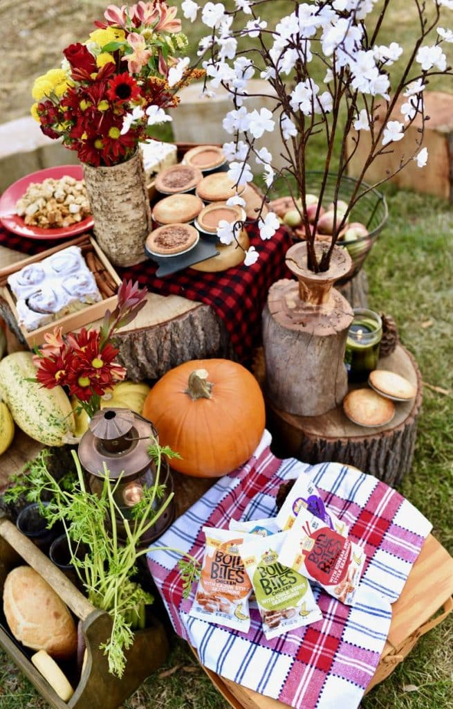 Fall picnic table decorations