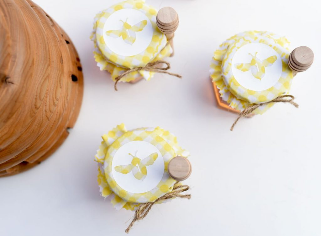 Bee party favor with Cricut and Martha Stewart
