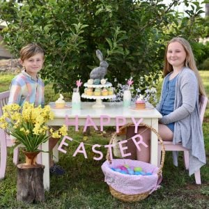 How to Create Easter Table Decor {with Martha Stewart + Cricut}