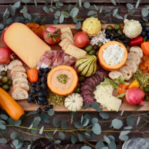 How to Create a Stunning Charcuterie Platter Guests Will Love